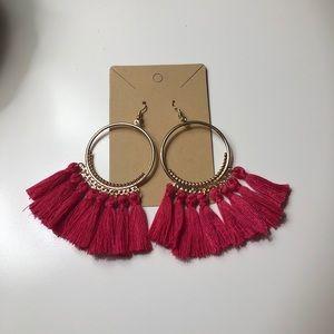 ⭐️NWOT Boho gold hoops with dark pink tassels⭐️